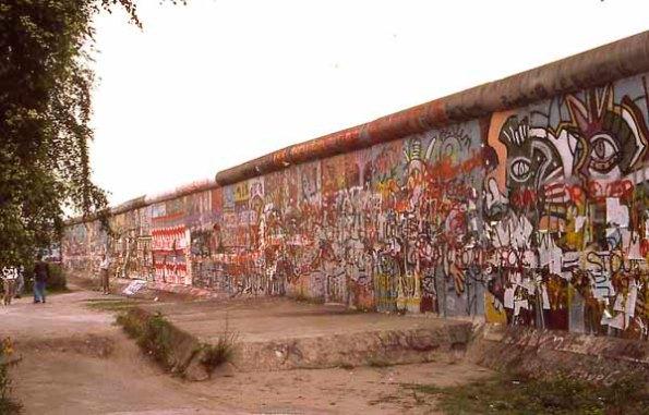 "December 2007: Things I don't like, ""Berlin wall 1987"""
