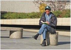 Lunch-time reader, Prague