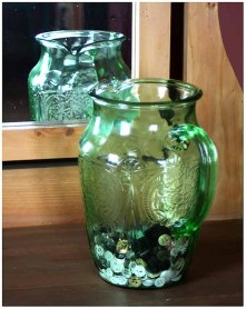 "April 2008: Outings, ""Button vase"""