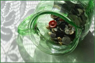 """January 2010: Open """"The button jar"""""""