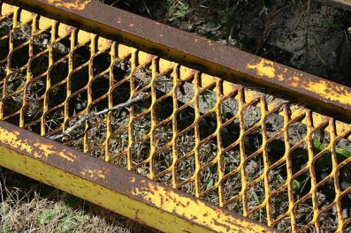 "October 2008: Edges, ""Yellow tracker"""