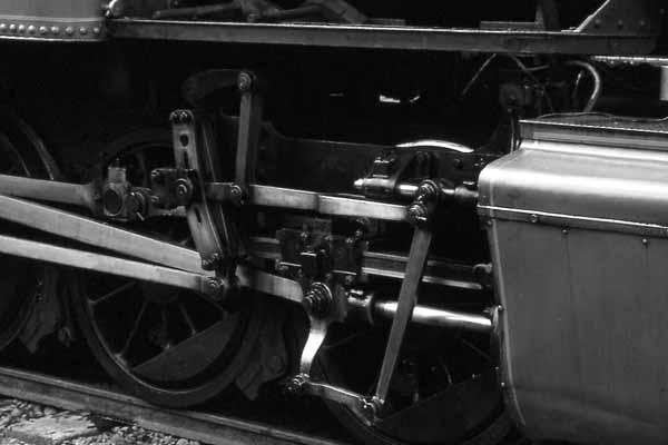 Train_7607Mia1001W