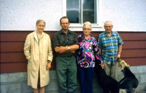 Tante Gijs' visit in Busby in 1970