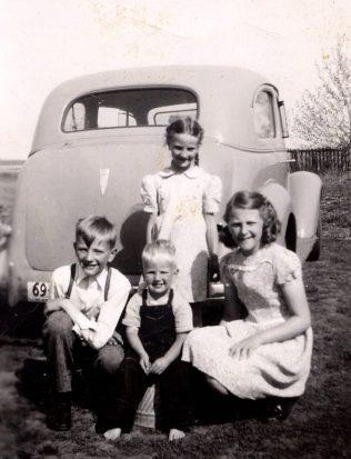 Dixie, Andrew,Gladys, Peter c. 1947