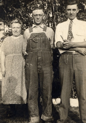 Herman Wierenga with John Buwalda and wife 1930s