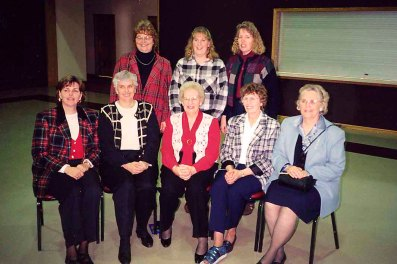 Dixie, Jean with Aunt Jeanette and Wisconsin cousins