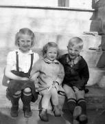 Dixie, Gladys, Andrew