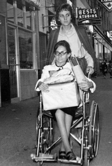 Gladys, Edna Winkelaar