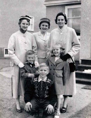 Mom and her children 1958