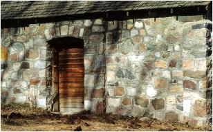 Stone barn Lamont 2004